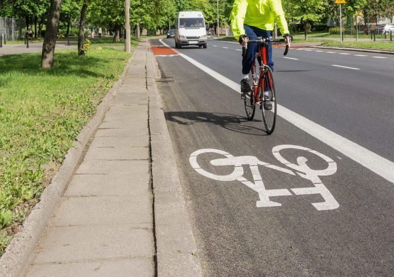 Les droits et devoirs du cycliste sur la route