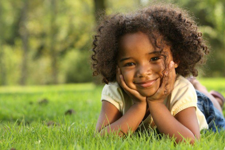 En cas de divorce, qui est tenu de couvrir l'enfant ?